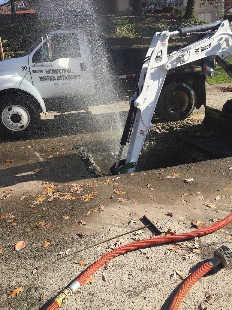 Grand Avenue 8-Inch Water Line Repair